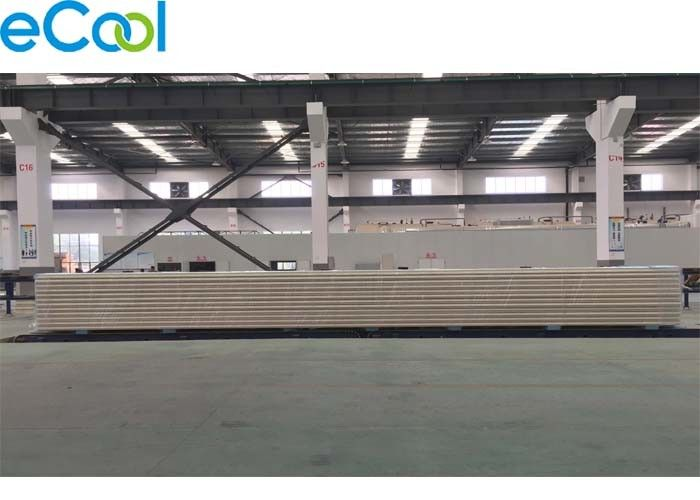 PIR Sandwich Cold Storage Insulation Board Customized Length 150mm Thick